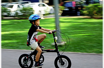 A Guide to Bike Safety for Parents